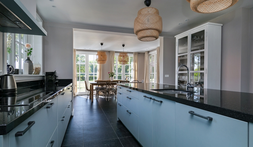 Het Duinhuis Oostkapelle kitchen