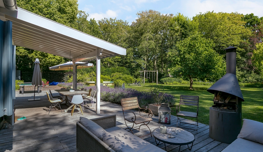 Het Boshuis Oostkapelle garden seats