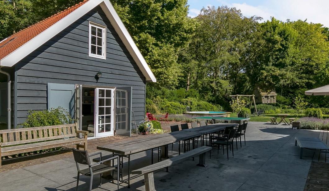 Het Boshuis Oostkapelle garden house